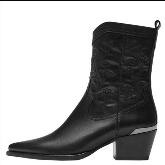 d3b5d029b90 Massimo Dutti cowboy boots NWT